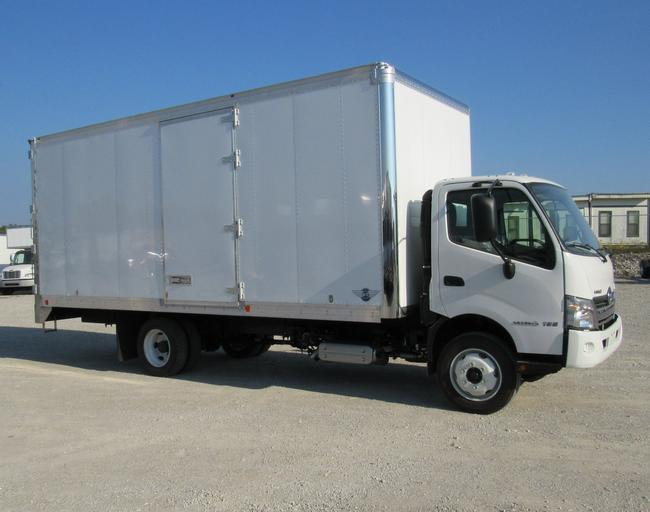 20' MINI MOVER WITH 2019 HINO 195 CHASSIS