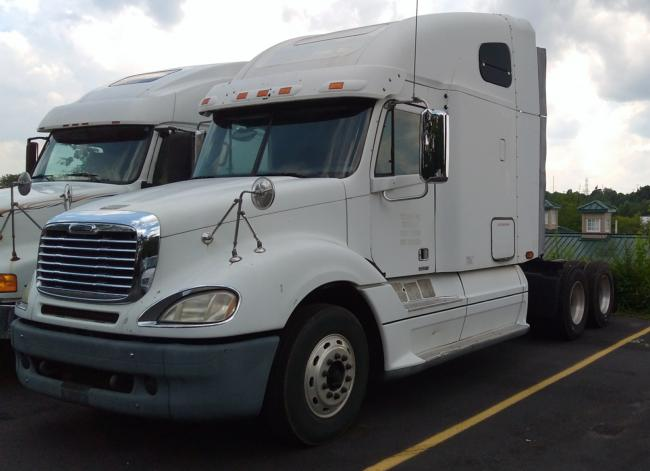 2007 FREIGHTLINER CL120 CONVENTIONAL - SLEEPER TRUCK In Norcross, GA Miles: 645,200 White Tractor With All New Tires. Caterpillar Engine , Great Condition.