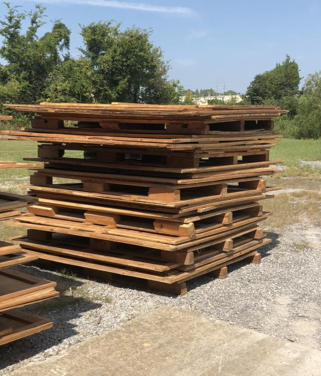 Used Storage Containers.  We Have 17 Available They Are 5'Wide X 7.5' Tall X 7' Long.  We Are Located Approx 1 1 2 Hours South Of STL MO. They Are $50 Each Or OBO.