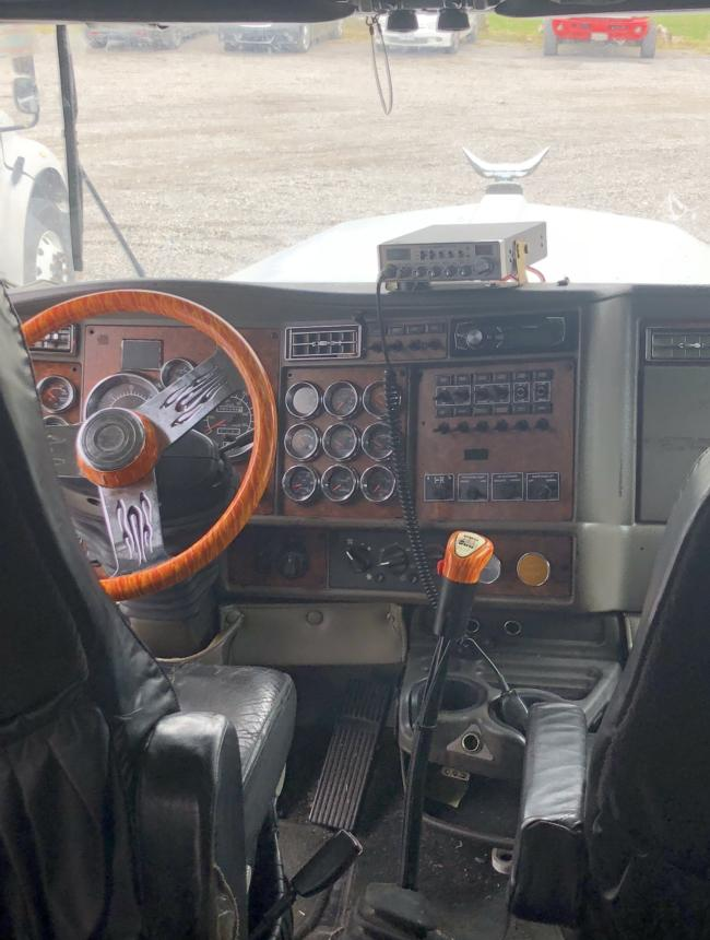 2006 Kenworth W900L, 893,103 Miles Currently, Body 120&Quot; ARI, Wheelbase 285&Quot;, Engine Cat C-15, Transmission 13 Speed, Rear Axle Ration 3.36.  Truck Runs Strong And Has No Mechanical Issues Currently.  There Is No Refrigerator Currently In The Truck.  Has Shower, Toilet, Cook Top, Sink,  Table Bed And Bunk Generator.  Tires Are Virgin
