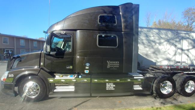 Volvo-VNL780,-240,000-miles-with-500
